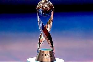 FIFA muestra el trofeo que México ha tenido dos veces (Foto: FIFA)