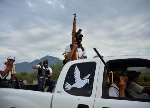 autodefensas-michoacan-churumuco-120114-5