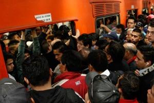 ¿somos los usarios o el metro quién tiene que modernizarse?