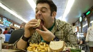 Comer-de-más-bloquea-la-sensación-de-saciedad-en-el-cerebro