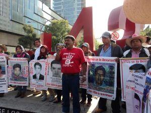 marcha-cdmx-ayotzinapa-1