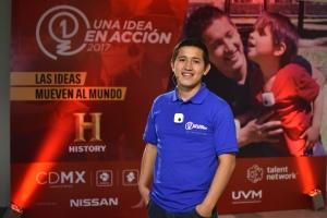 Diego Aguinsaca ganador de una Idea para cambiar la Hisotria 2016
