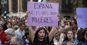 5-claves-de-la-polemica-en-espana-por-la-sentencia-por-abusos-sexuales-a-la-manada-960x500