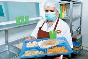 Preparacion-incluyo-ensalada-manzana-ponche_MILIMA20151231_0293_8